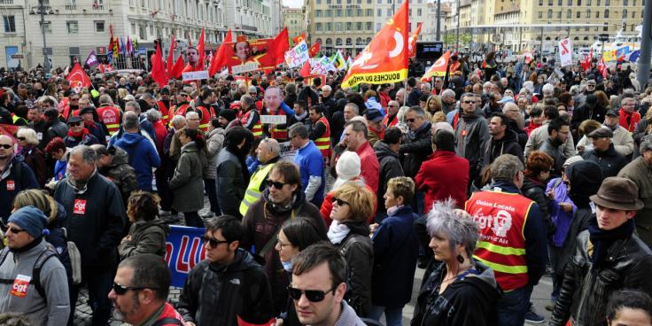 Un-syndicat-policier-scandalise-par-une-nouvelle-affiche-de-la-CGT