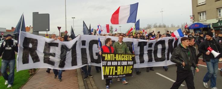 manifestation-contre-migrants-calais-2015