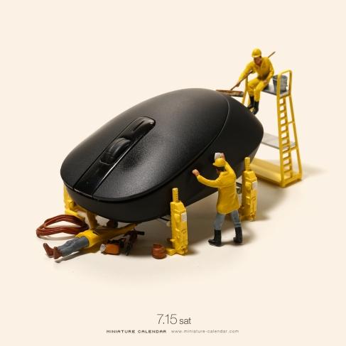 miniature-calendar-Mouse-Car